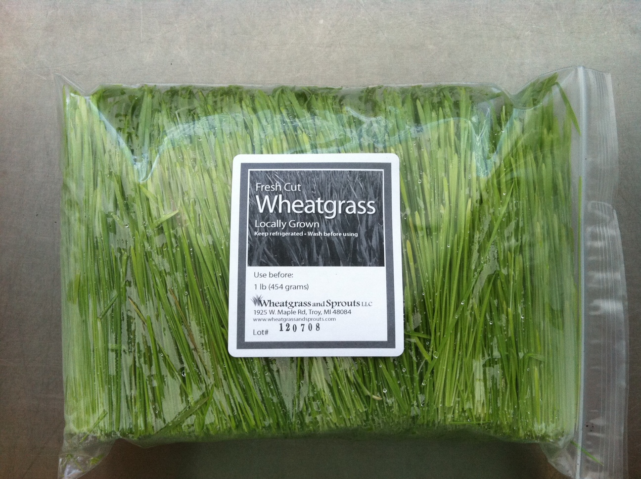 Wheatgrass - fresh cut (1/2 pound bag)